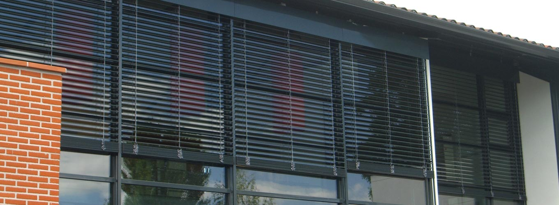 Estores brisa solar regula o eficaz da luminosidade mpvc - Estores para exterior ...